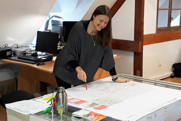 Notre cartographe Camille Ratia en plein travail